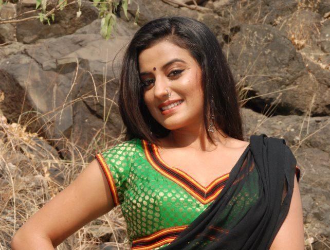 Akshara Singh - Hottest Bhojpuri Actress