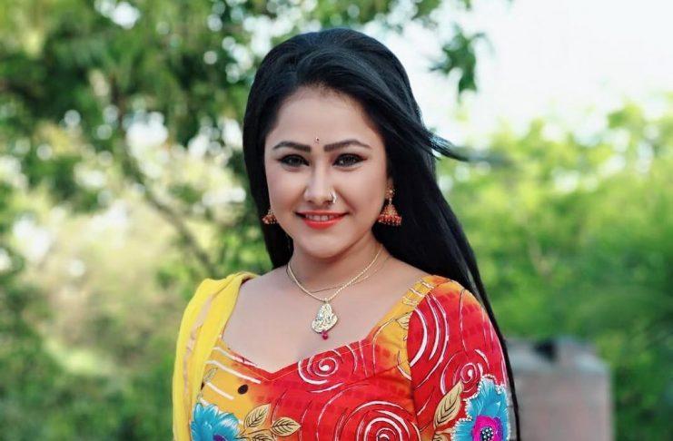 Bhojpuri-HOT-Actress Priyanka Pandit