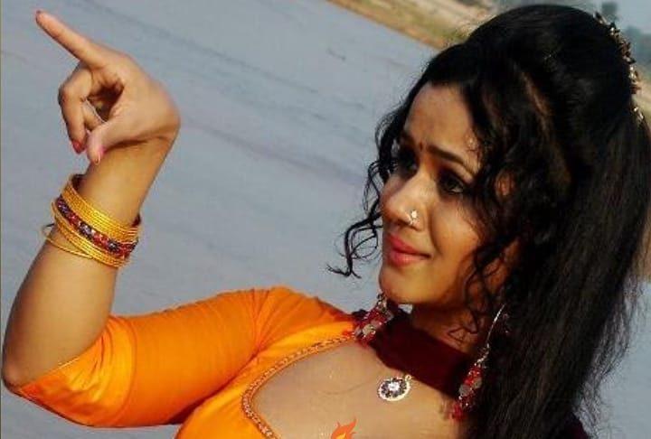 Gunjan Pant Bhojpuri - Hottest Sexiest