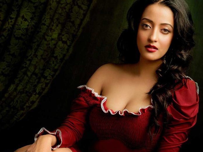 Raima Sen | Bengali Actresses   IMAGES, GIF, ANIMATED GIF, WALLPAPER, STICKER FOR WHATSAPP & FACEBOOK