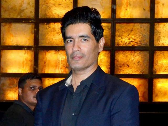 top most famous and best fashion designer manish malhotra