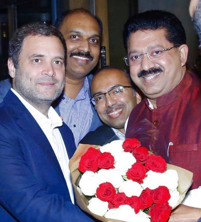 Mr Mansoor Palloor with Shri Rahul Gandhi