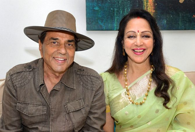Dharmendra - Hema Malini - Top most Romantic couples