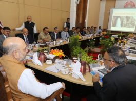 Amit Shah Reviewing Law & Order situation in Kashmir as Hurriyat Conference ready for talks