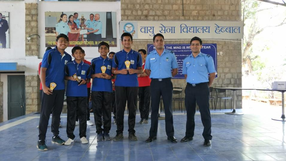 School students interacting with serving IAF officers