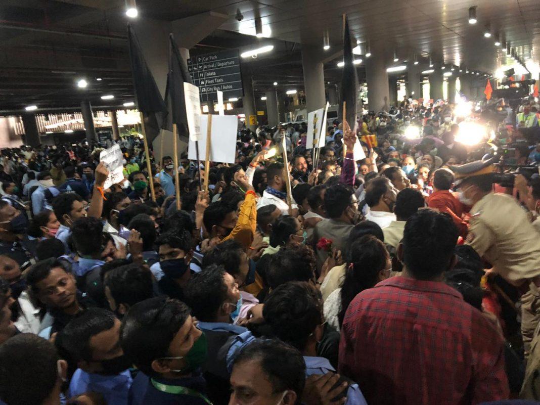 Shiv Sena vs Karni Sena